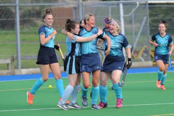 Mixed fortunes for hockey teams