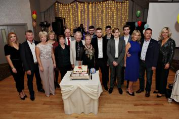 Billy's 80th birthday bash at the Royal Court Hotel raises £6,000 for local charities