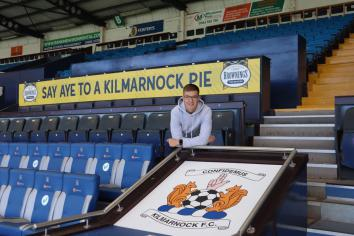 Brad Lyons signs two year deal with Kilmarnock