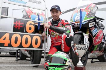 Glenn Irwin in tribute to late William Dunlop